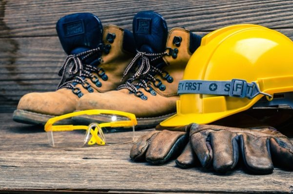 Want To Protect Your Feet On-Site? Here's The Complete Guide To Best Shoes