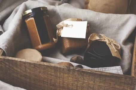 Traditional Irish gifts to consider buying for your loved ones