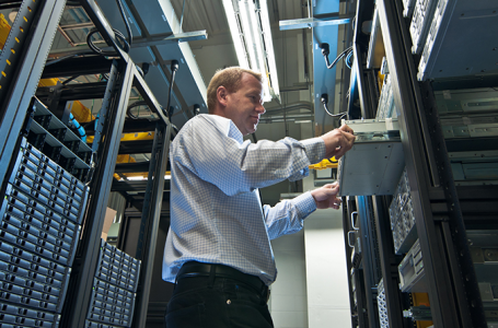4 Benefits of Using a Dedicated Hosting Service
