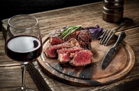 How do you pair steak with wine?