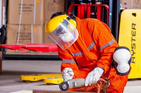 Top 4 Reasons to Make Sure Employees Use Personal Protective Equipment