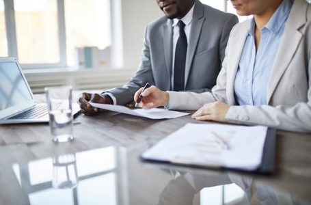 A Brief Client's Guide to Hiring Compensation Lawyer