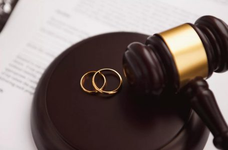 How does a Professional Divorce Lawyer Help you in the Divorce Case