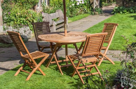 Choosing Wooden Furniture For Your Garden Space