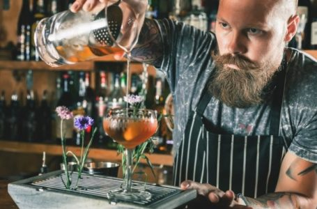What Makes A Good Mixologist?