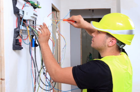 What to Consider When Hiring an Electrical Contractor