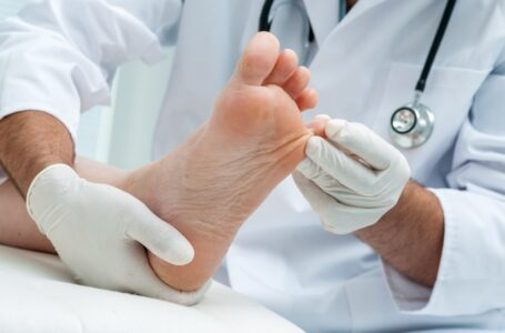 7 Foot Problems that Require You to Visit a Podiatry Clinic