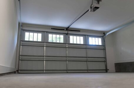 4 Garage Door Maintenance Steps