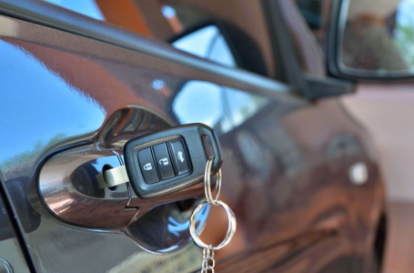 4 Things To Do if You Lock Yourself Out of Your Car