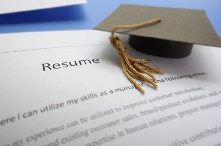Are You Search For Graduate Jobs?