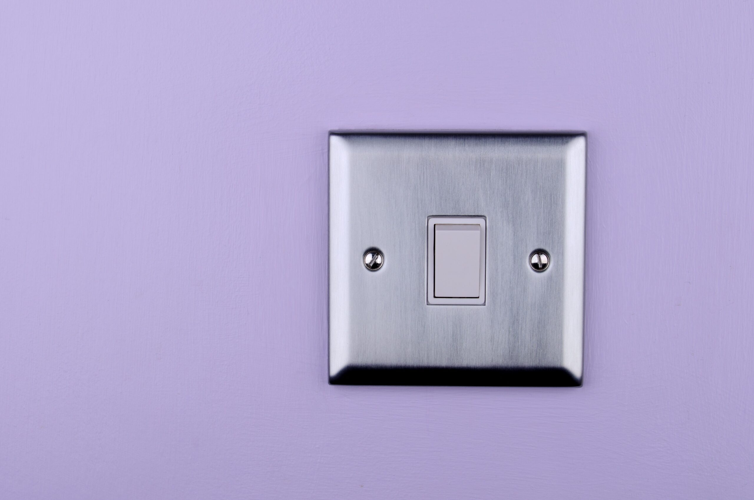 Pros and Cons of Ceramic Light Switch Plates