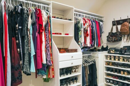 3 Tips for Organizing Your Closet