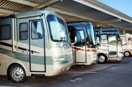 Tips for choosing storage facility services for your RV or boat