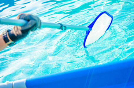 Don't Go It Alone: Why You Should Hire a Pool Maintenance Company This Summer